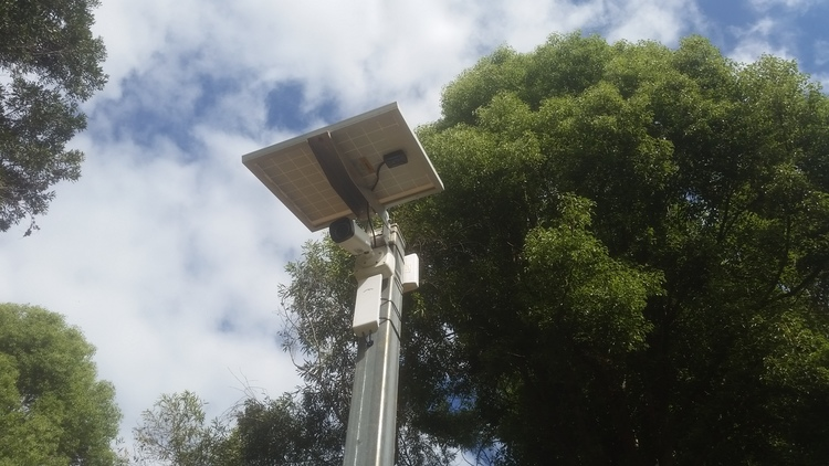 solar_powered_security_camera_wireless_station